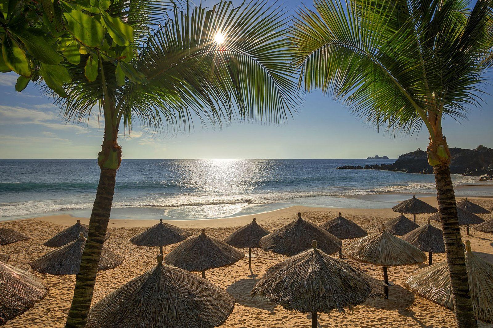 Playa de Ixtapa en Hotel Las Brisas Ixtapa