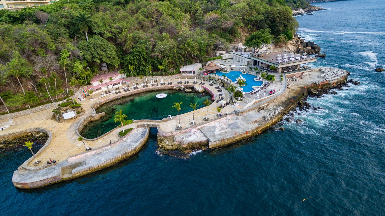 Acapulco club pools