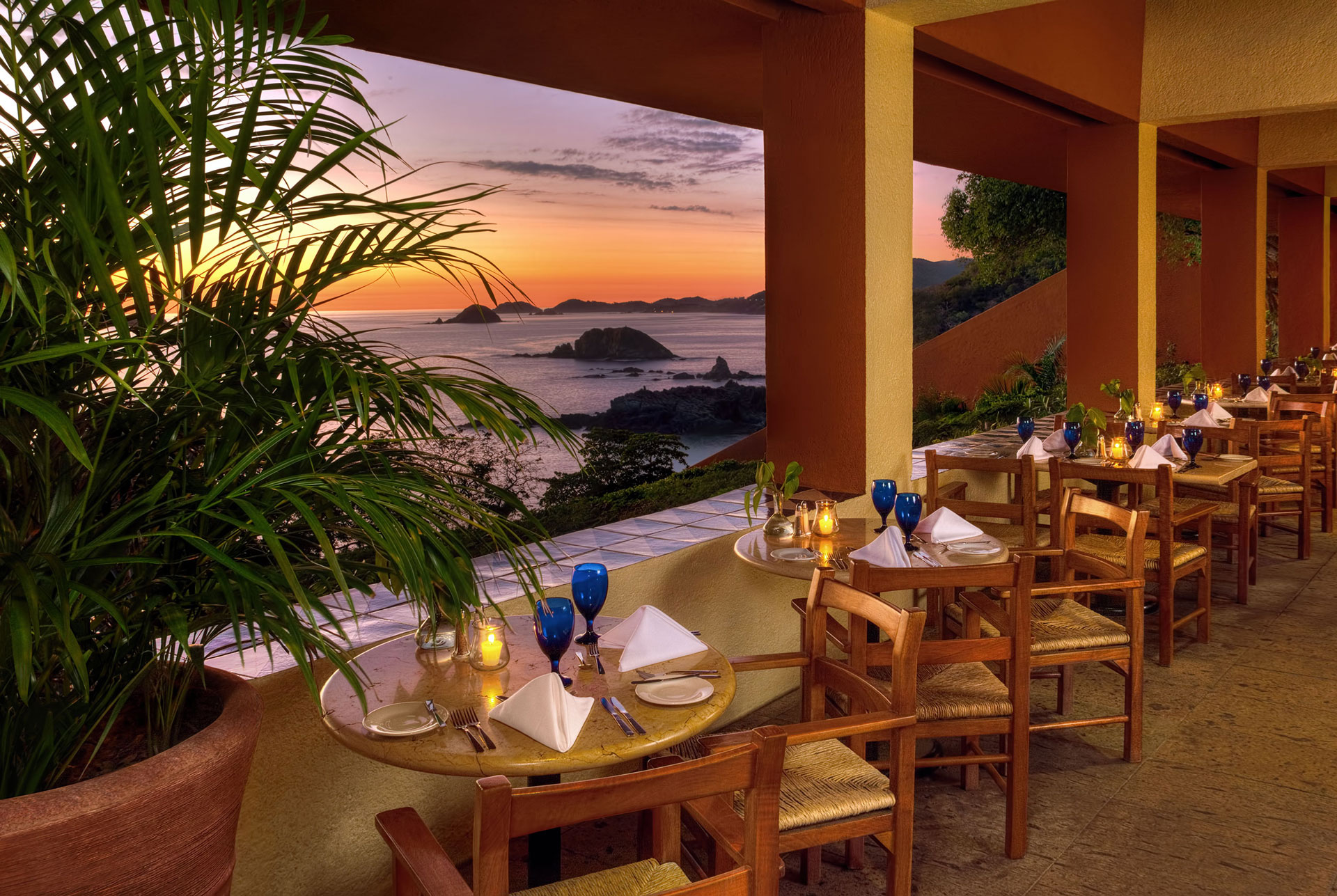 Bar and Restaurant from Hotel Las Brisas Ixtapa