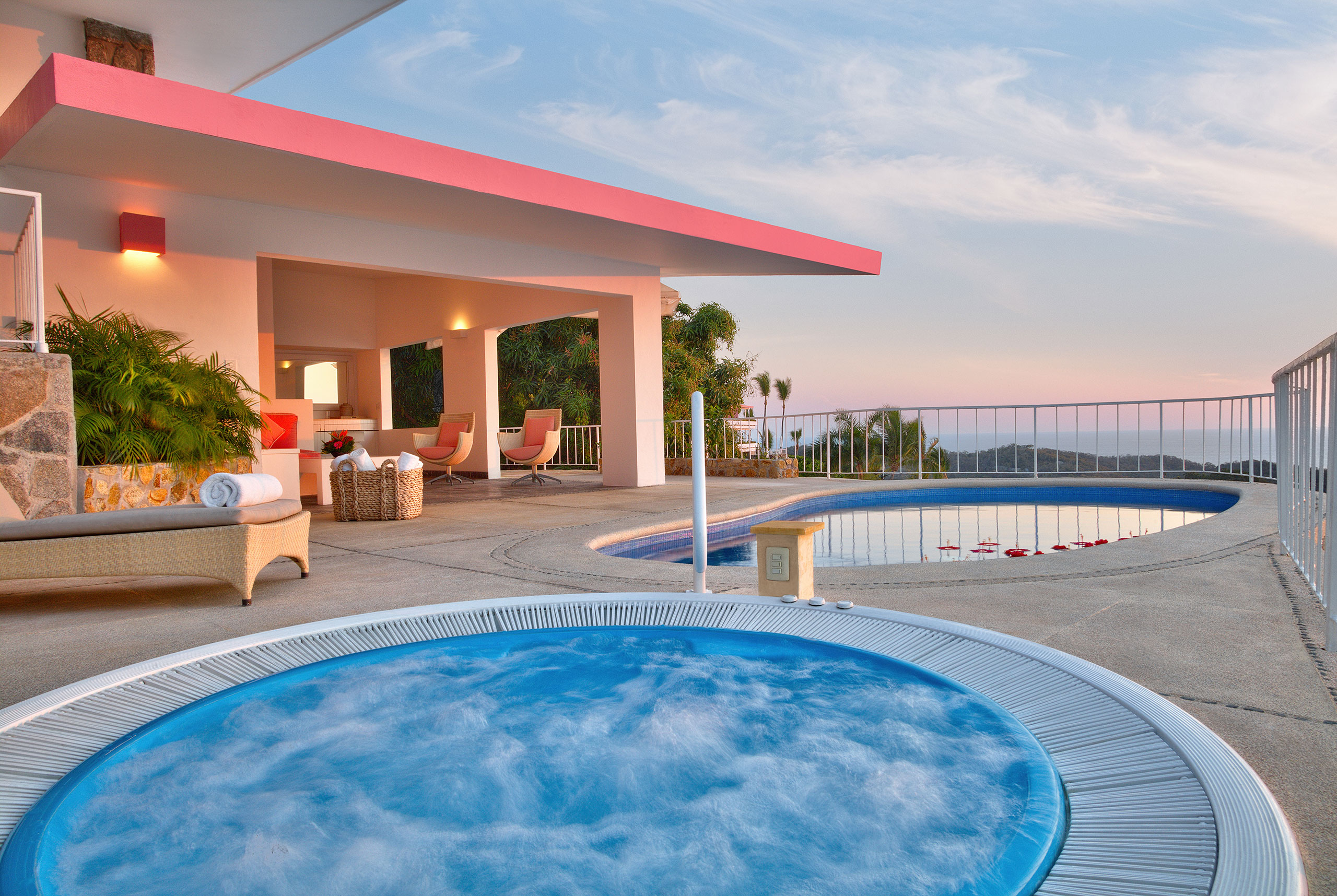 Hotel Las Brisas Acapulco Master Suite with Jacuzzi outdoor