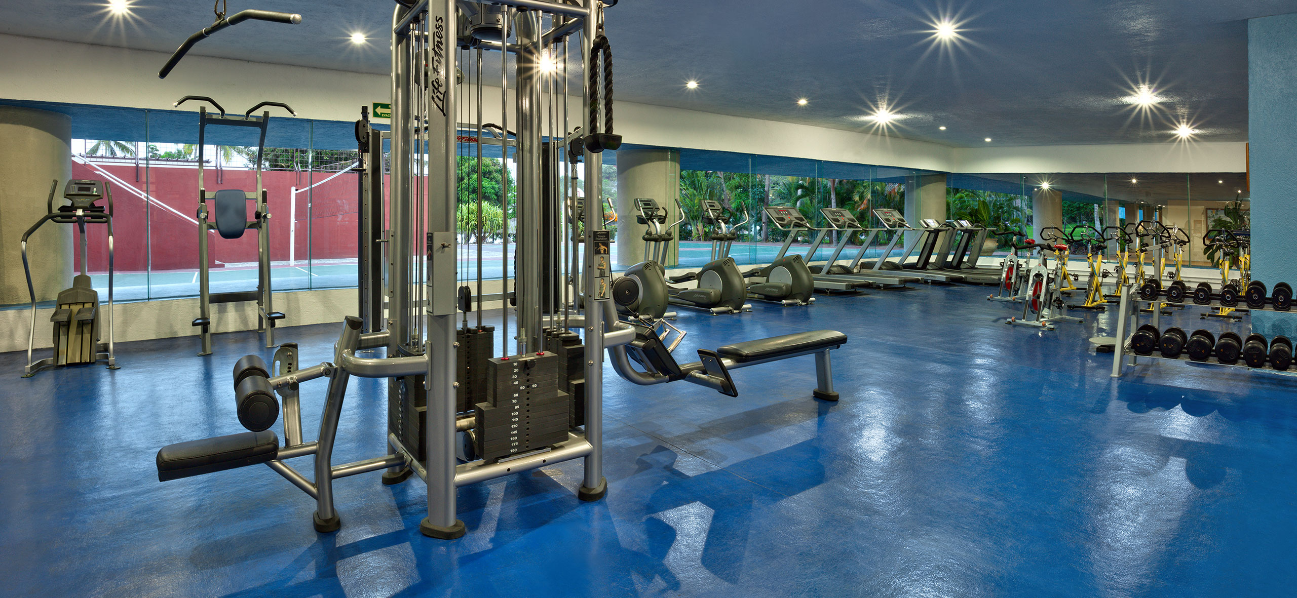 Gym at Hotel Las Brisas Huatulco