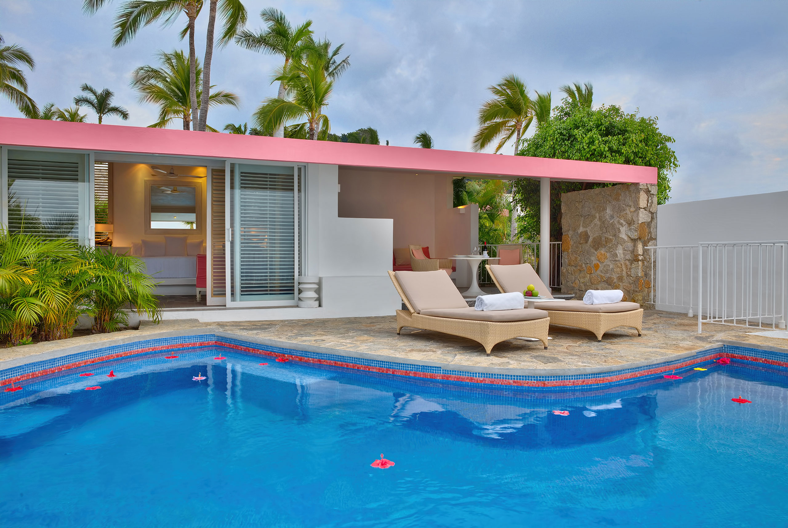 Master Suite pool casitas