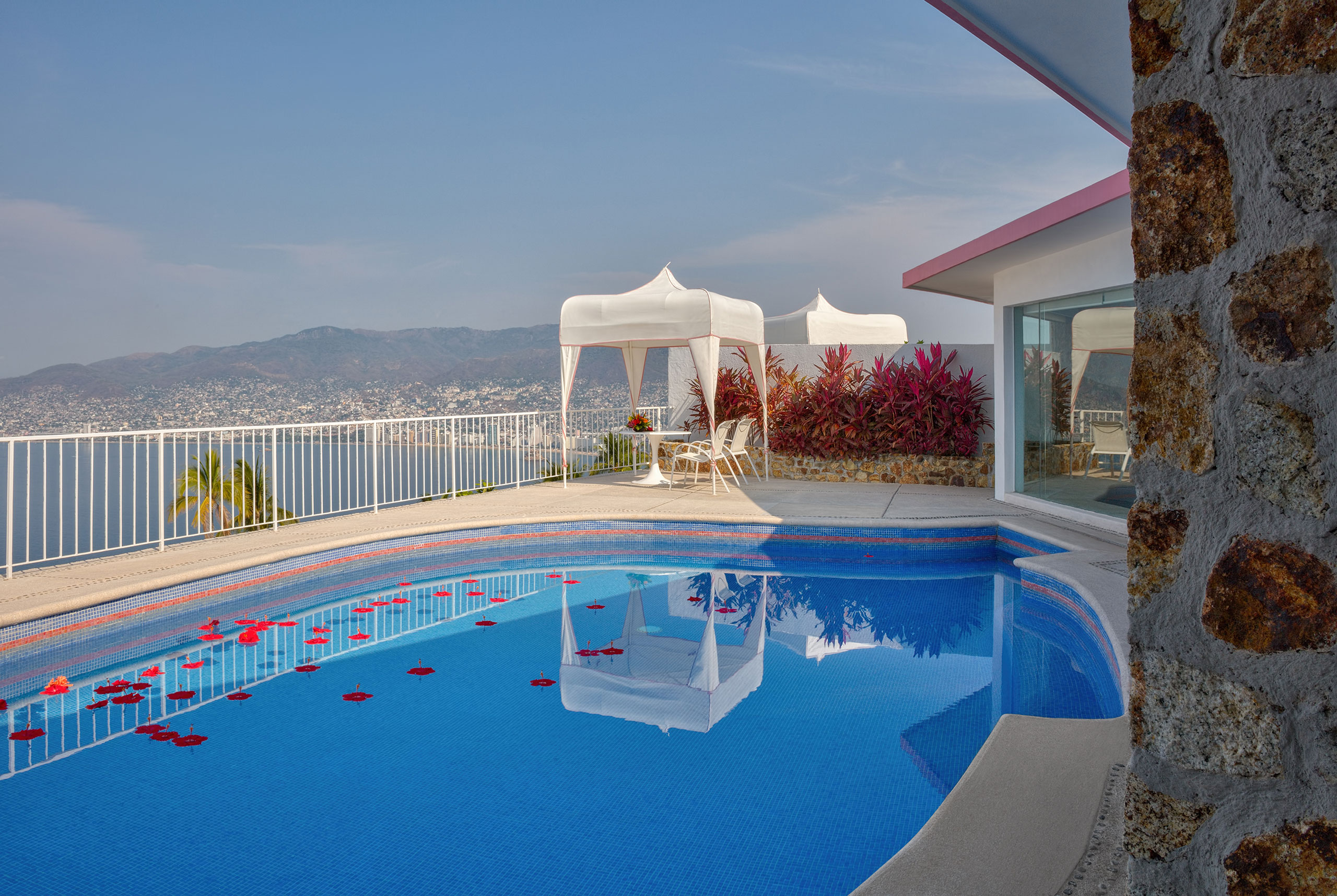 Hotel Las Brisas Acapulco Master Suite with Indoor/Outdoor pool